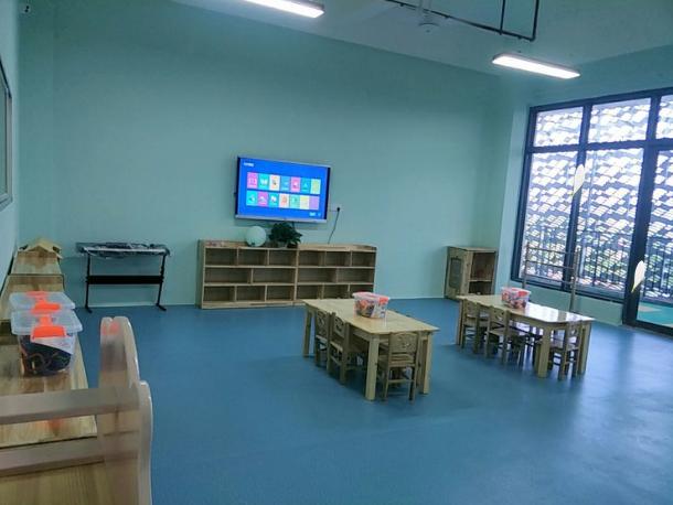 北海第九湾稚语幼儿园教室一角